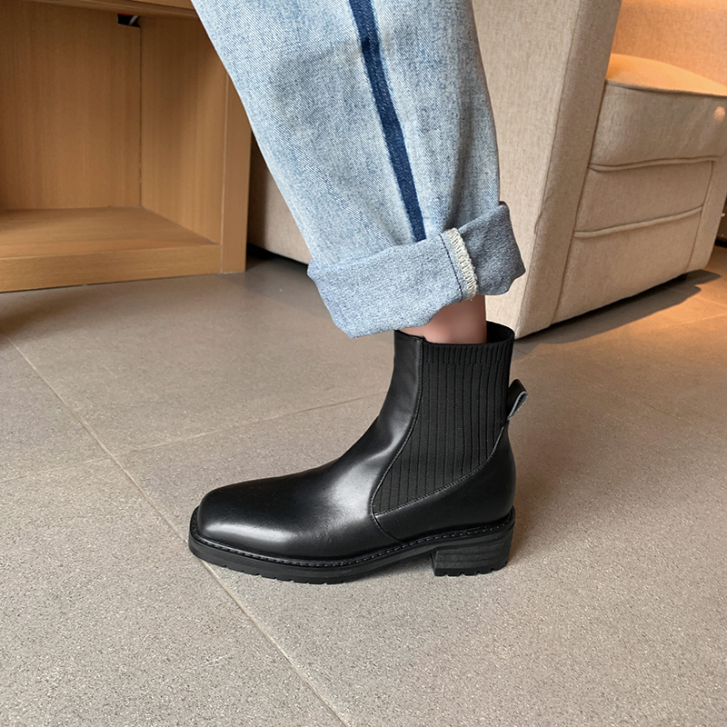 The same style of wanghong autumn / winter 2020 thick medium heel sweater elastic boots with square toe and British style short boots