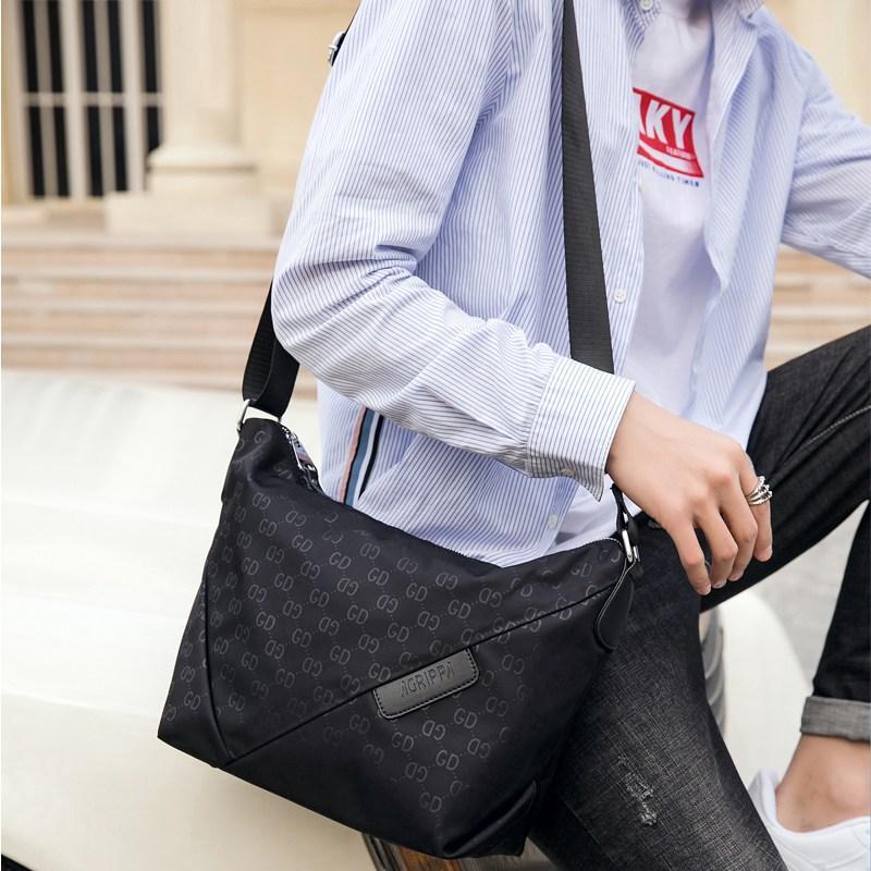 2020 new crescent mens bag Single Shoulder Messenger Bag mens sports fashion bag horizontal postman bag travel bag