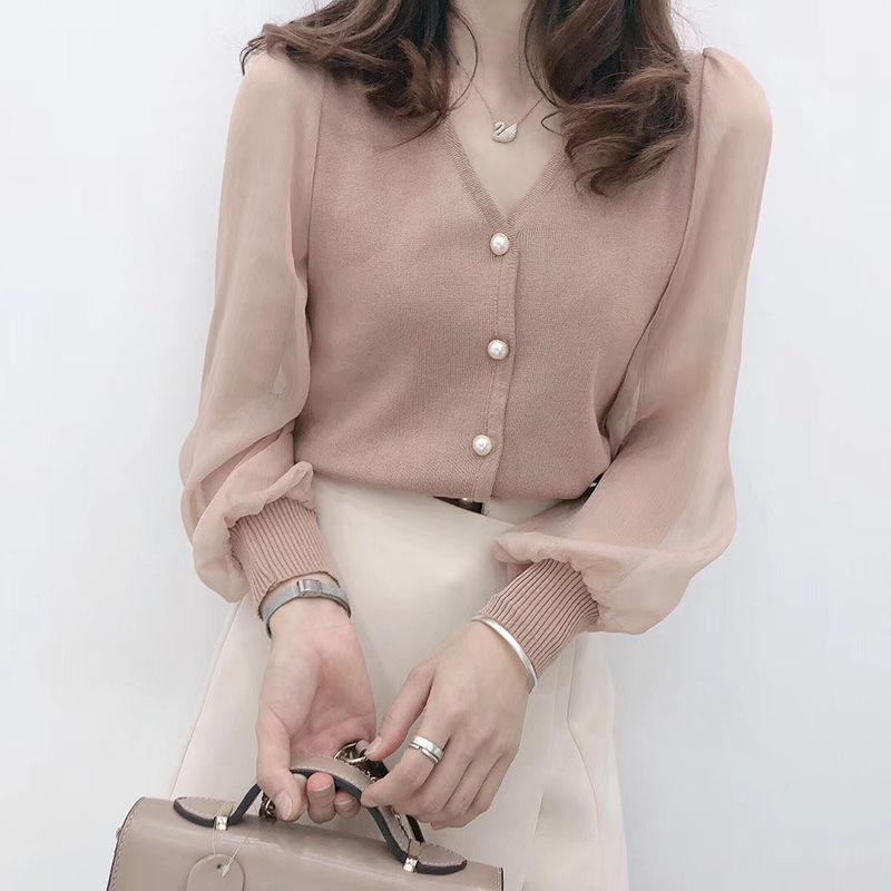 2021年新款短款拼接毛衣上衣女洋气小众蕾丝雪纺针织打底衫长袖潮