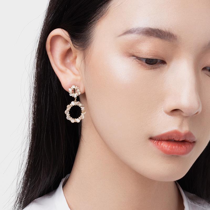 VINGT ANS少女耳夹优雅猫眼石耳环2021年新款气质耳坠法式耳饰女