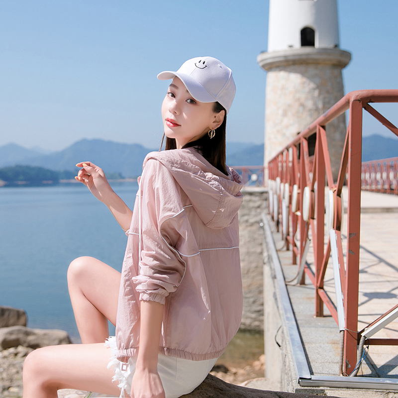 Womens short clothes 2020 summer new slim casual hooded outdoor breathable sunscreen thin coat