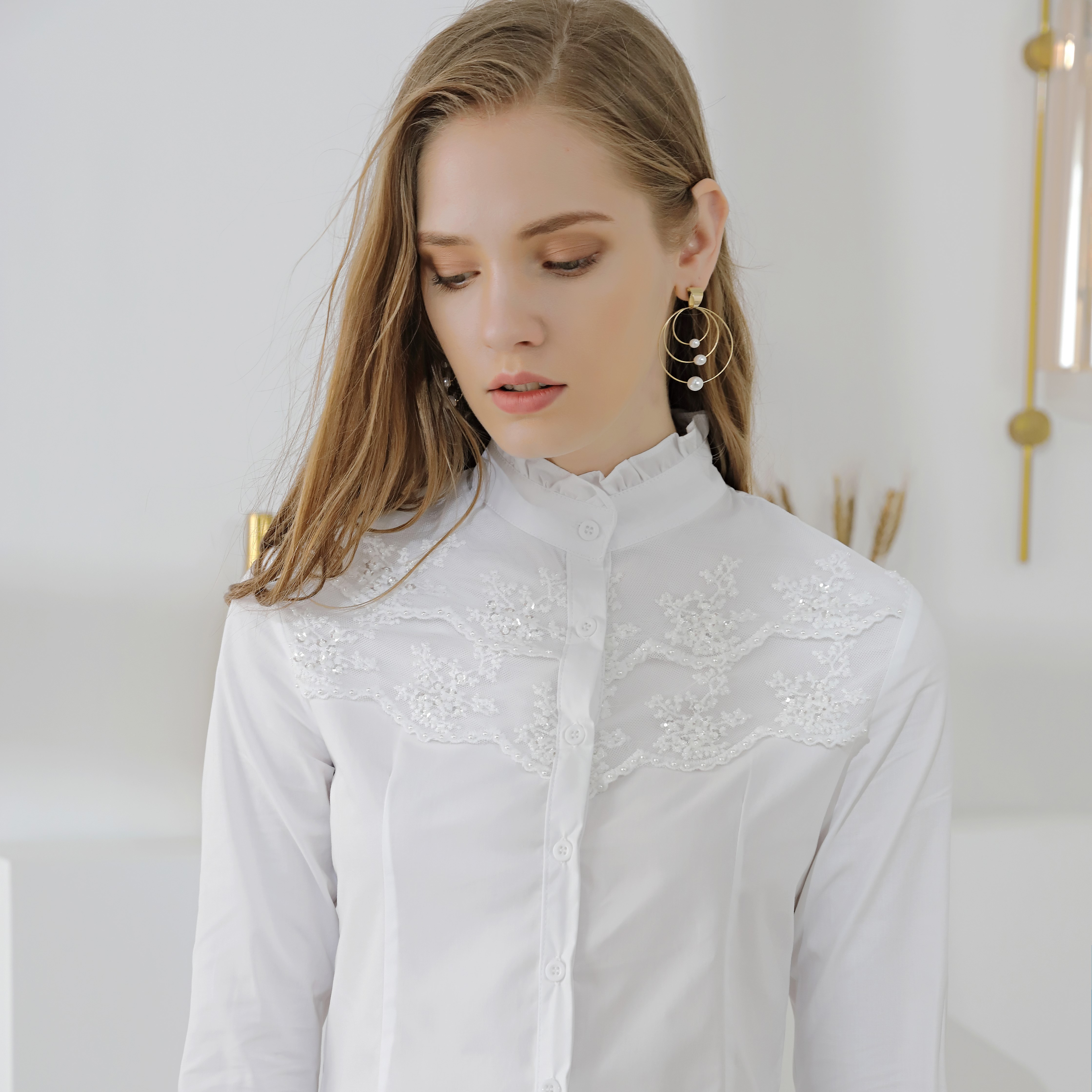 2020 summer new retro lotus collar long sleeve pin bead lace splicing white shirt top for women