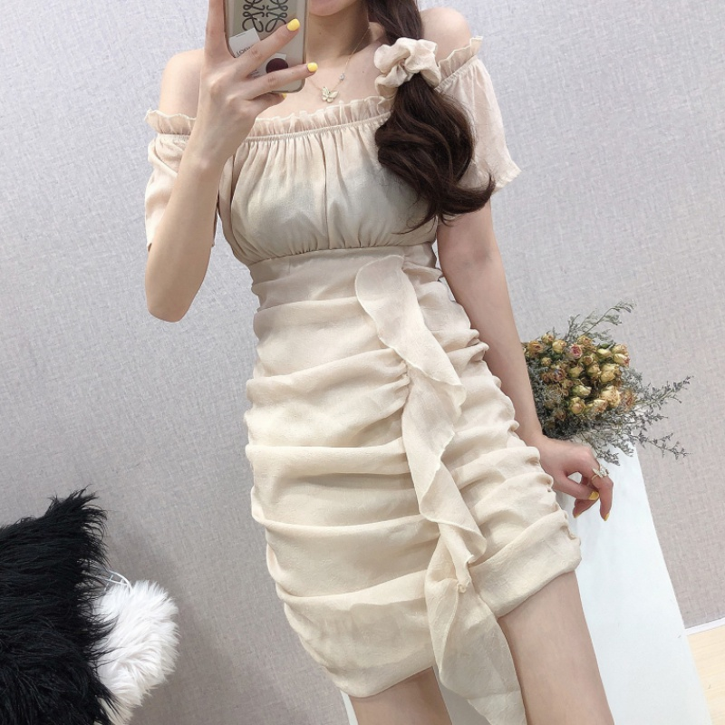 New sweet style French one line collar off shoulder skirt in summer 2020
