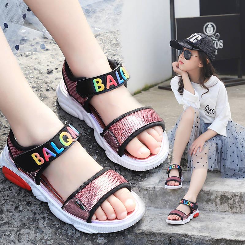 女子学生サンダル2020夏新商品百合亮片王女靴中大童ビーチ靴小学生熊サンダル