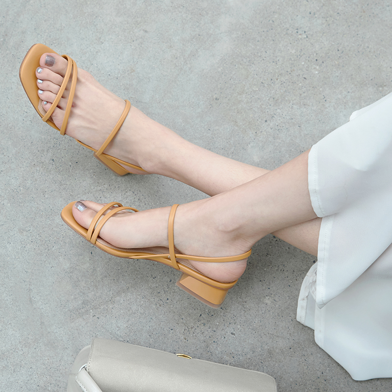 . Sandals womens middle heel fairy 2020 new thick heel minimalist thin strap low heel French Roman one line high heel