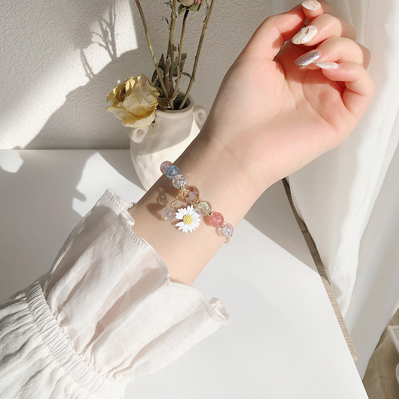2020 new style small fresh Daisy simple bracelet, Sen Department sends her girlfriends to transfer pearl peach blossom bracelet, female