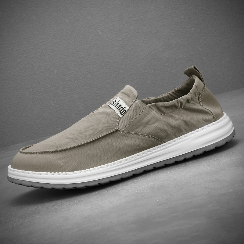 Summer old Beijing cloth shoes mens shoes breathable lazy shoes mens casual bean shoes light canvas shoes