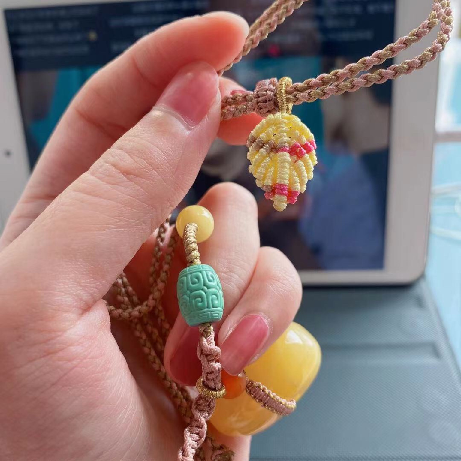 Jasmine Moli customized Nanhong honey wax Hetian Yuhuang mouth material womens hand string sweater chain 108 hand string accessories