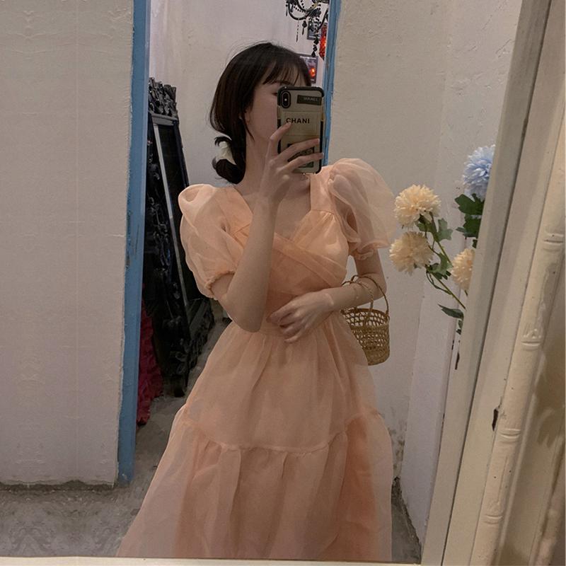 2020夏新款女装大码气质女神范衣服粉色裙子小心机显瘦v领连衣裙