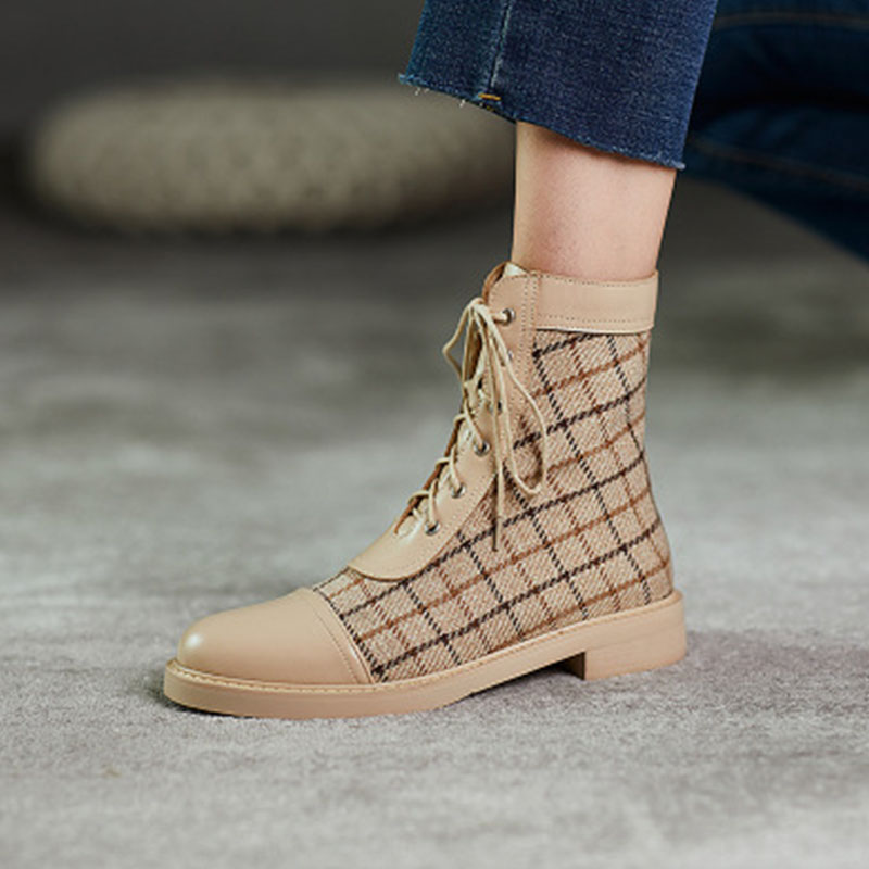 Small fragrance short boots womens Retro Leather Lace up low heel fall / winter 2020 new flat bottomed French Martin boots fashion