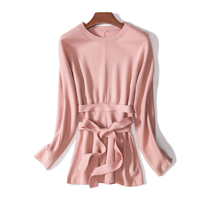 R series slim fit basic inside with soft pink medium length lace up waist down wool T-shirt