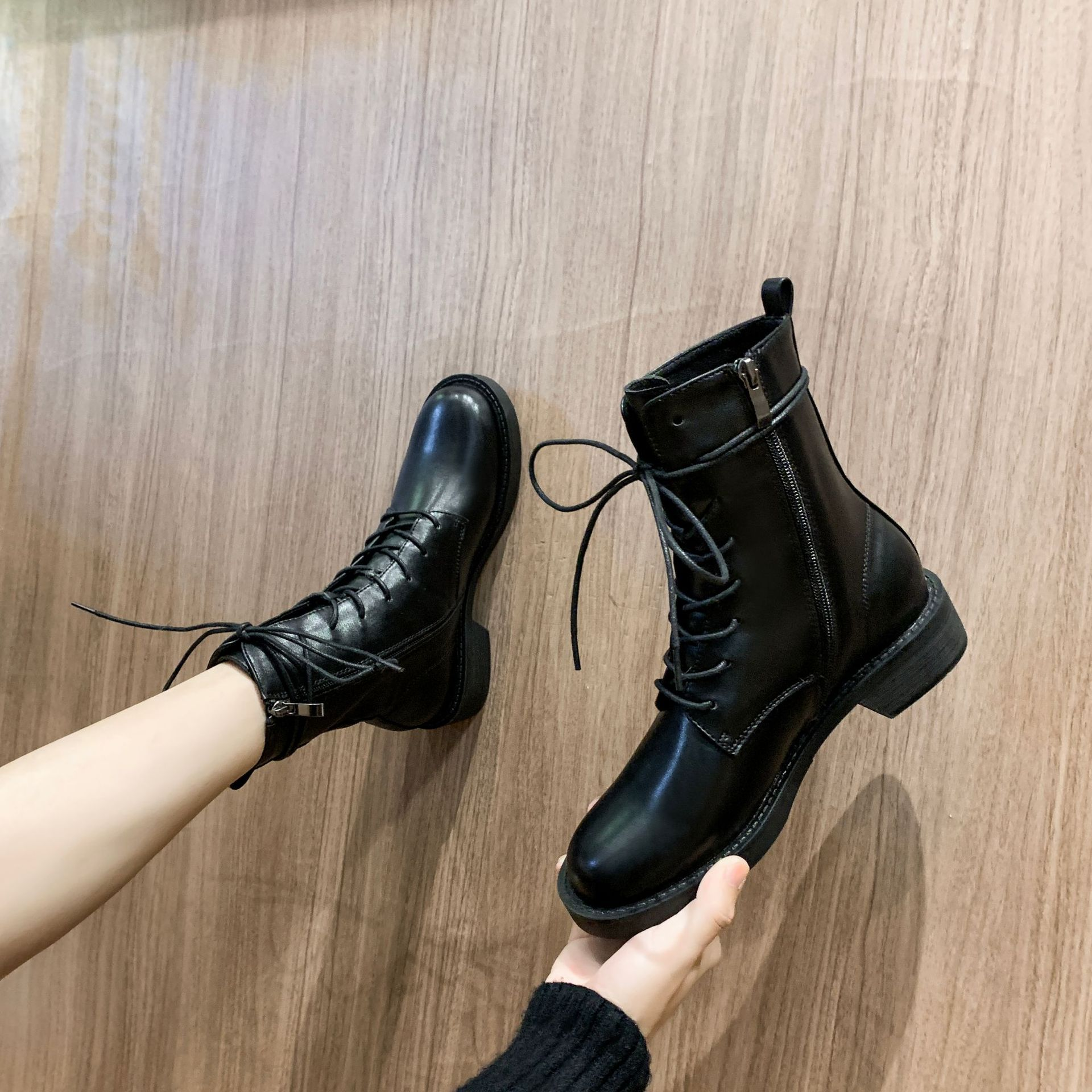 Ann British style Cavalier boots womens autumn new Mid Heel flat heel lace up handsome motorcycle boots short single boots short boots women