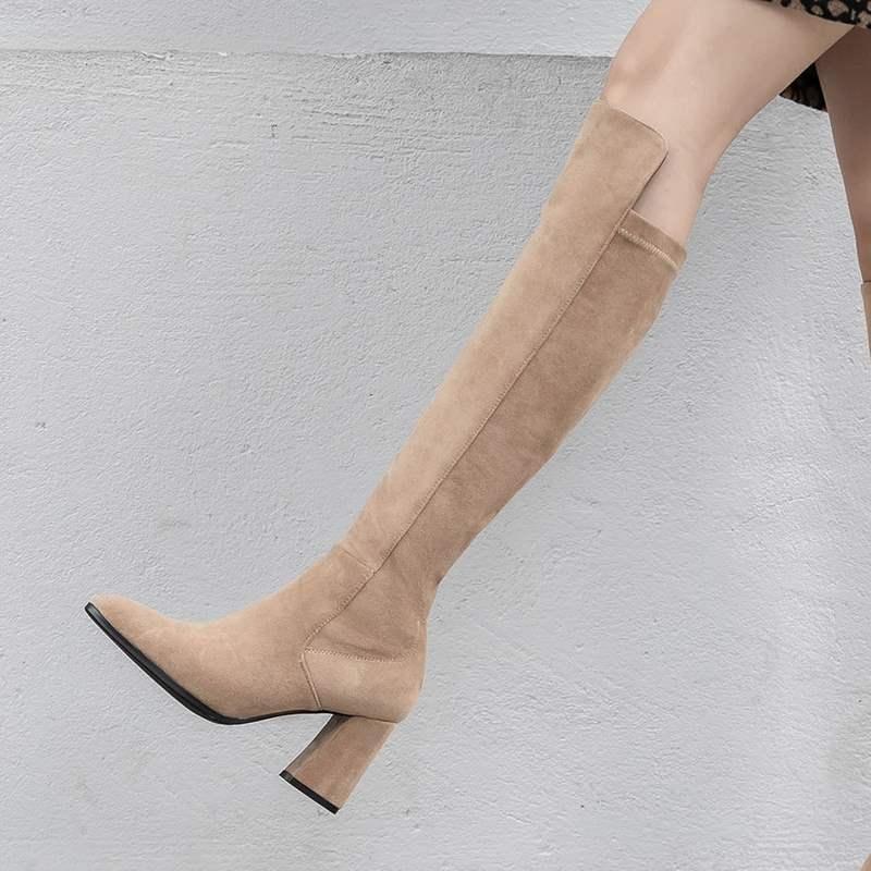 秋冬款卡其色高跟中长桶靴子显瘦粗跟长靴女绒面尖头高筒弹力靴潮