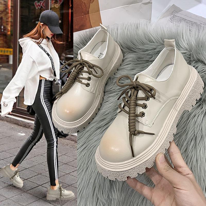 英倫の小さい革靴の女性2021春の新型の日はjk厚い底のビスケットの靴のネットの赤いロリータのカジュアルな靴の女性を結びます。