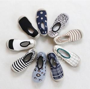 春秋婴儿地板防滑软底儿童鞋袜春夏秋季宝宝幼儿园亲子室内学步鞋
