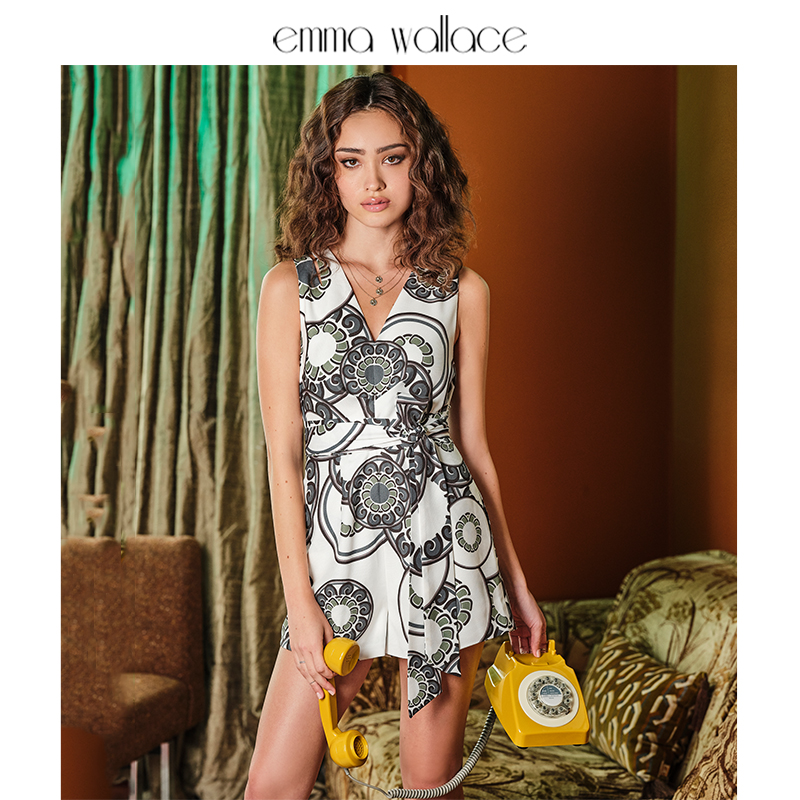 Emma Wallace printed close waist one-piece shorts deep V-neck hollow casual pants womens 2020 NEW
