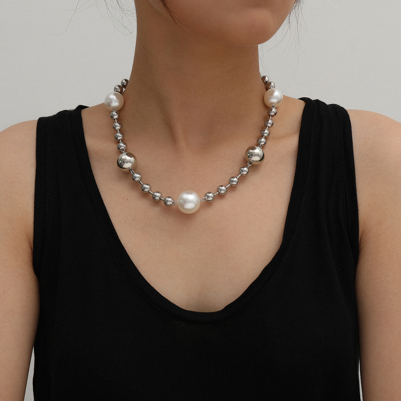 China Fashion big pearl necklace trend ha Street bead splicing design simple cool style jewelry