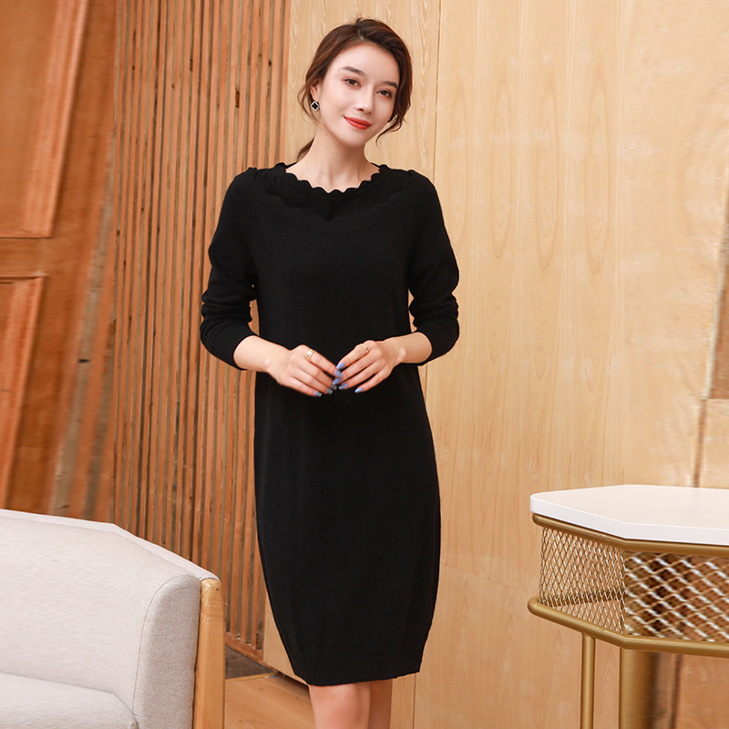 Low collar blouse womens autumn and winter dress nun winter solid color medium length over knee thickening mother cashmere wool