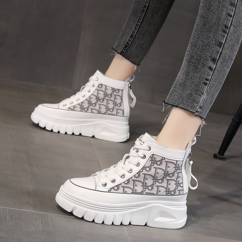 Autumn and winter 2020 new thick sole muffin shoes leather pattern Korean fashion ins versatile net red high top casual shoes for women