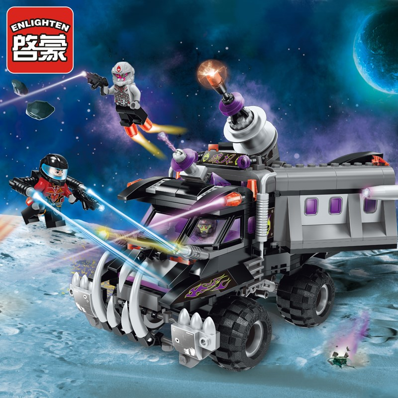 Like an old friend, children assemble building block toys, star Adventure Series cannon truck 369.