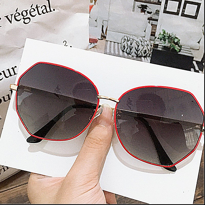 Sunglasses Womens Korean fashion large frame UV protection ins round face thin fashion gradient color net red photo Sunglasses