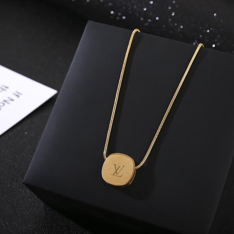 2021年新款钛钢项链不褪色18K金色可调个性时尚小众设计感锁骨链