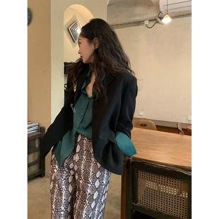 任小艺Lit e mode早春炸街西装外套女设计感小众2021新款休闲西服
