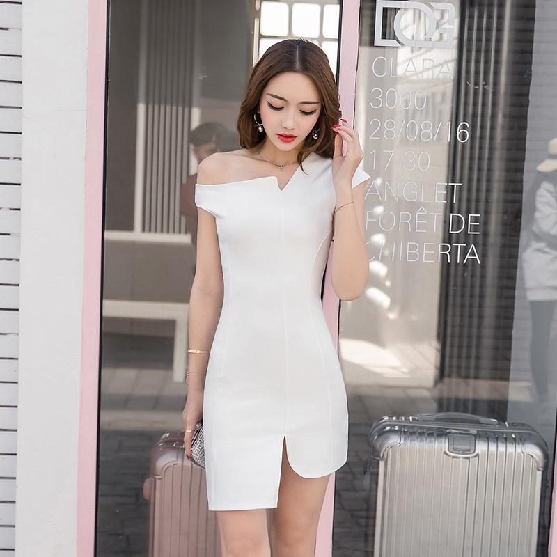 2019夏新款裙感修衣显瘦名媛气质女神范不规Q则露肩连身性小礼服