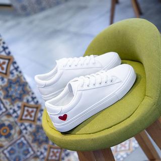 2021年新款春款百搭港风小白鞋女鞋板鞋2020春秋季爆款网红白鞋子