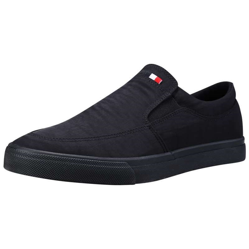 Mens canvas shoes in spring and summer