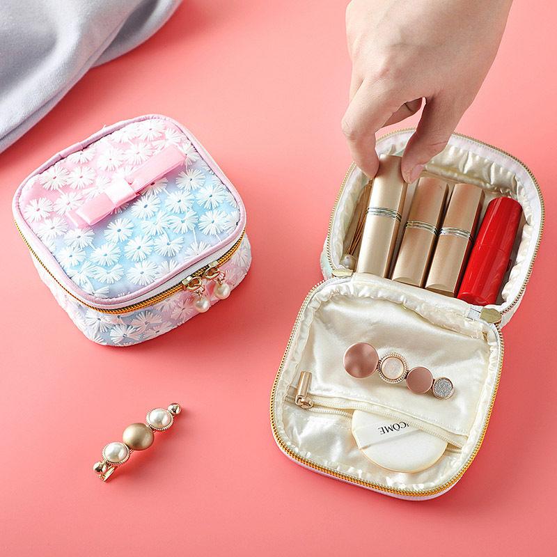 刺绣大容量便携卫生巾收纳包可爱装放月事月经姨妈棉的小包袋子女