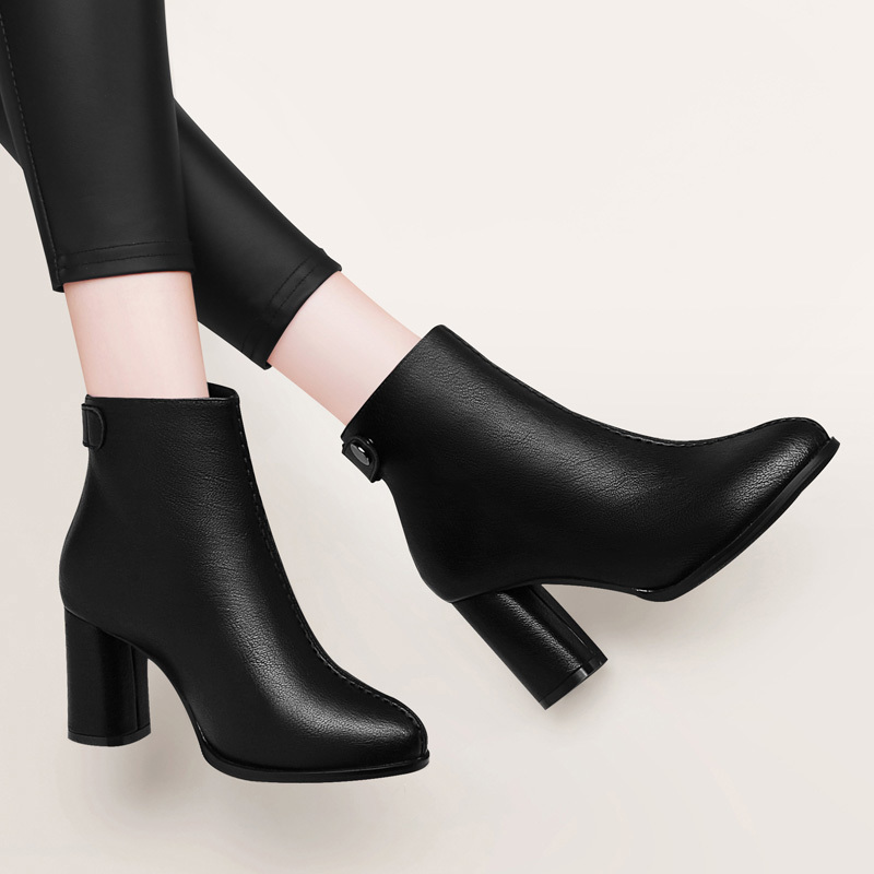 。 Small high-heeled boots women 2021 new autumn and winter boots winter womens shoes Plush thick heeled short boots professional work