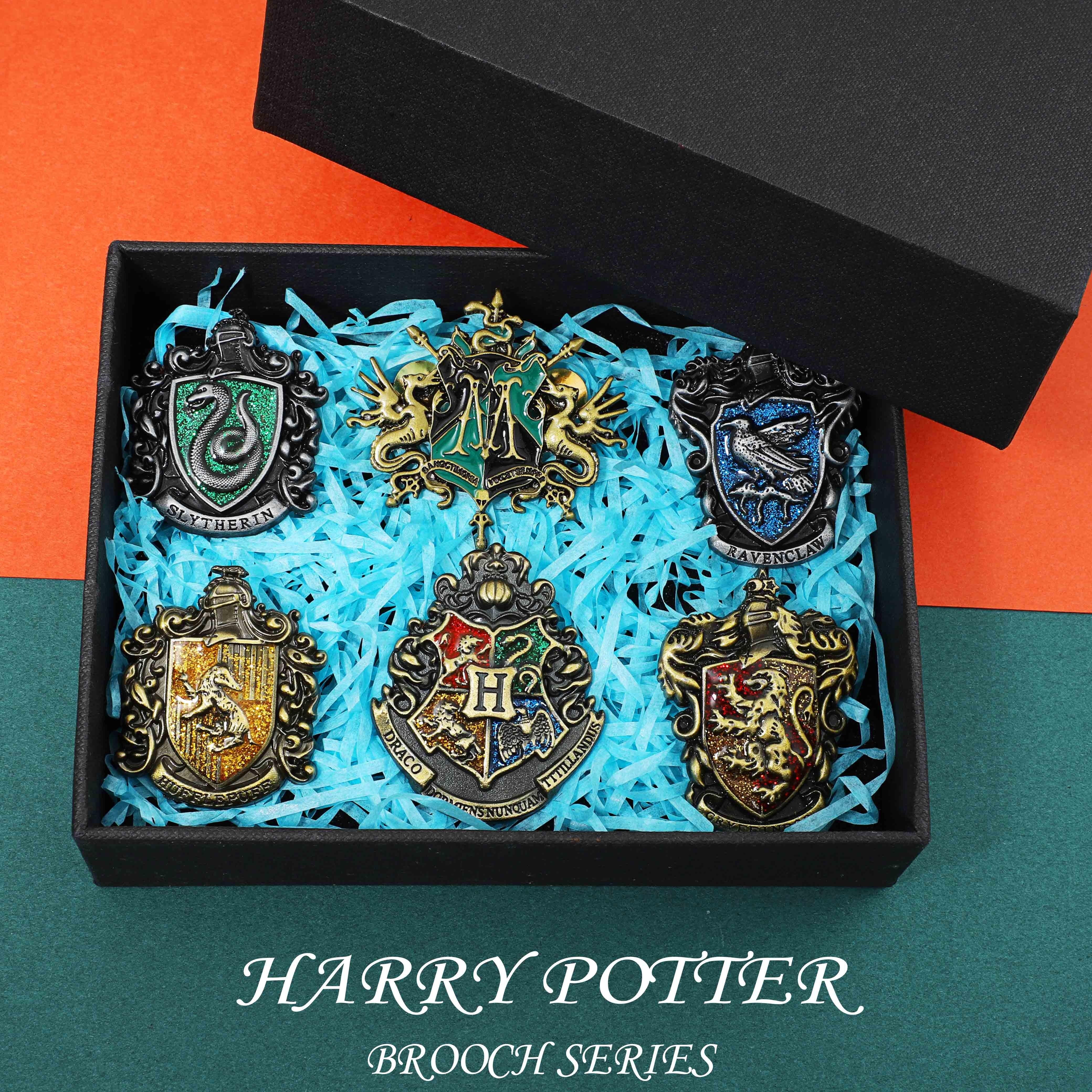 哈利波特周边霍格沃茨格兰芬多斯莱特林胸针学院徽章礼盒生日礼物