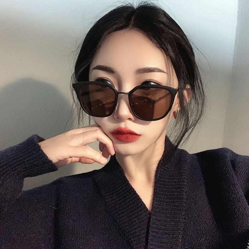 2021韩版ins潮网红小脸磨砂茶棕色墨镜女防晒眼镜气质优雅太阳镜