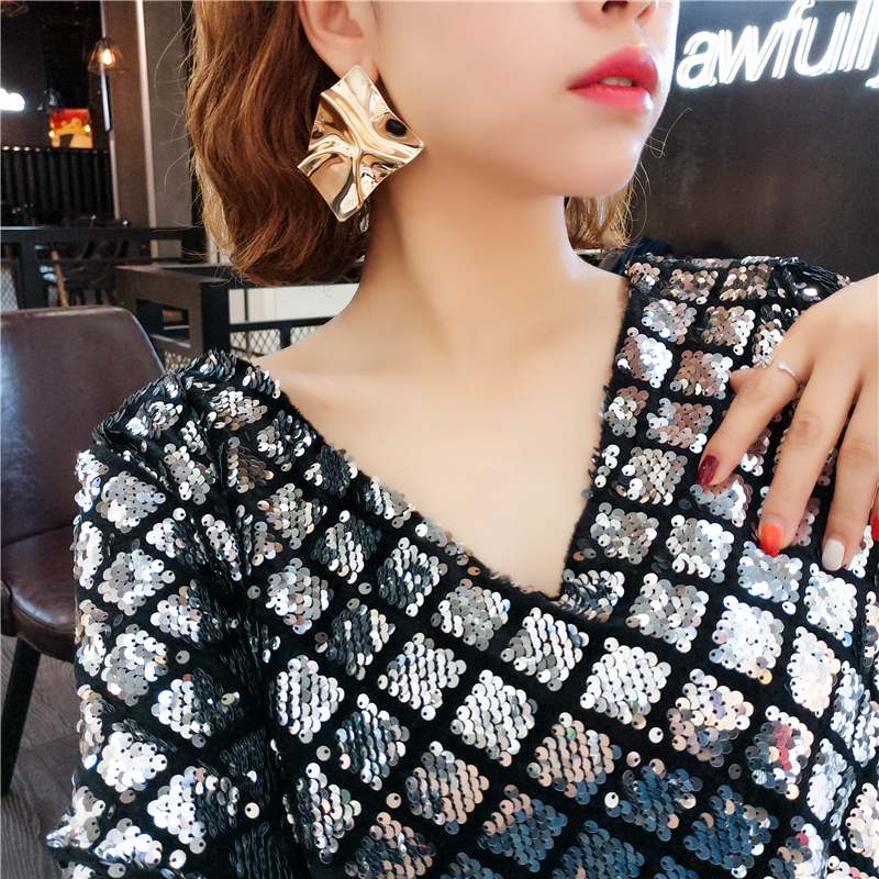 Metal mesh red advanced sense European and American exaggerated big earrings womens new fashion earrings 2019 temperament personality Earrings