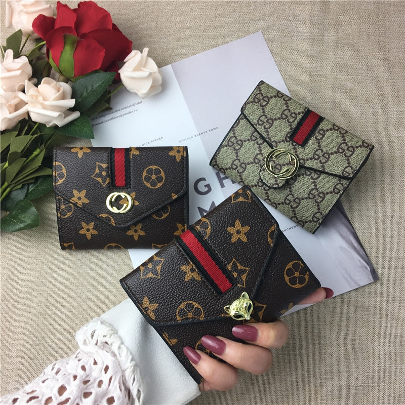 Princess of Jiaman Vintage ins wallet womens short buckle card bag wallet fashion student Mini versatile zero wallet