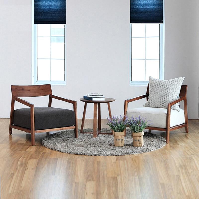 極簡単北欧の軽奢式の木造レジャーチェアのリビングバルコニーのシングルソファチェアの簡単な布芸小部屋型の組み合わせ