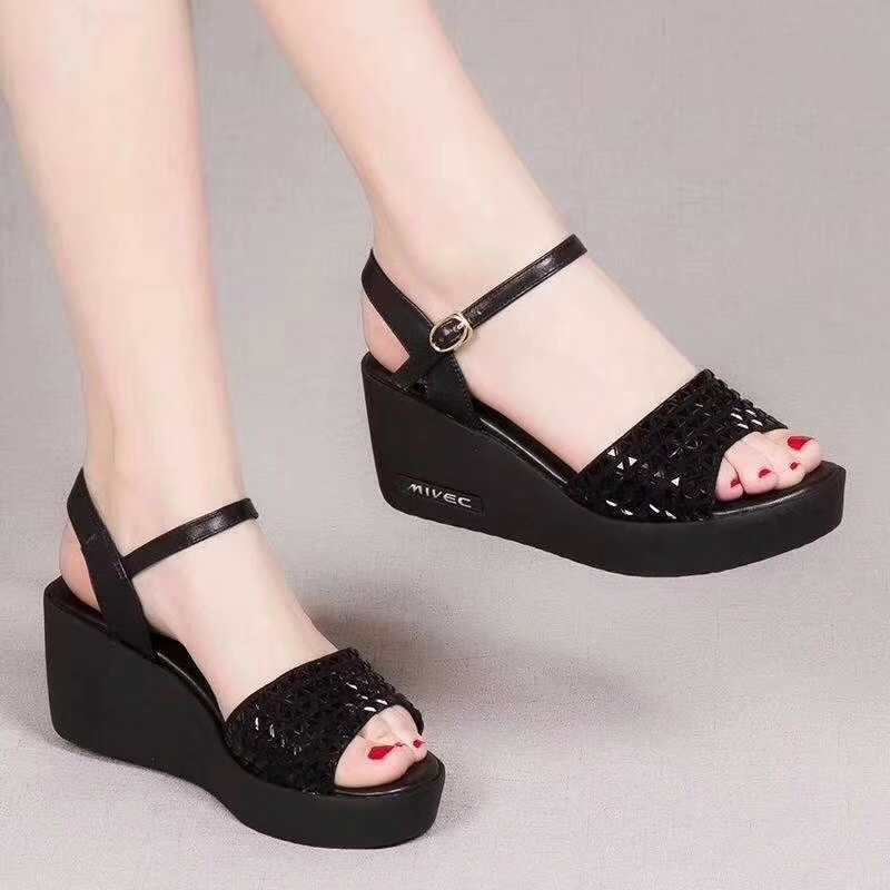 Thick soled open toe high heel sandals womens 2020 summer new leather European station diamond slope heel muffin shoes versatile womens shoes