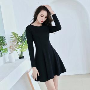 黑色连衣裙女秋冬新款内搭打底赫本风小黑裙长袖显瘦配大衣裙子短