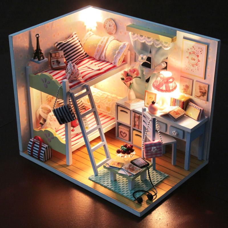 天天特价diy小屋手工拼装公主房子模型玩具建筑创意生日礼物女生