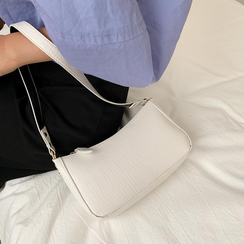 厂家直销复古鳄鱼纹手提包小众设计单肩包腋下包小包法棍包小肩包