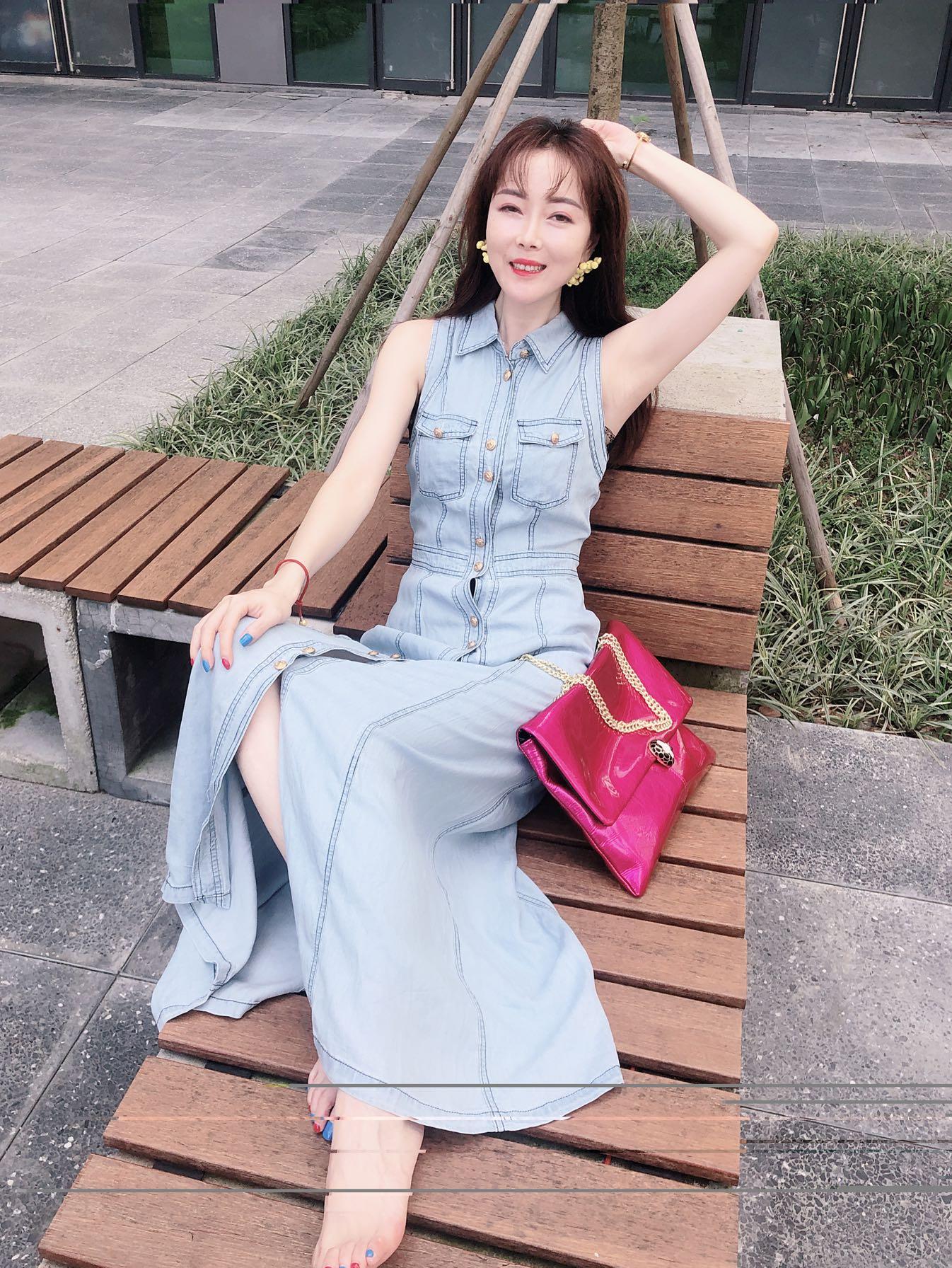 无袖时尚长款夏装天丝收腰小众气质年轻时尚牛仔连衣裙
