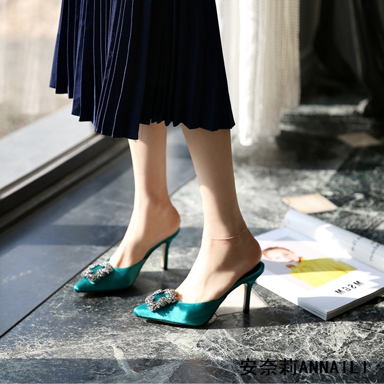 新款尖头高跟鞋细跟浅口凉拖鞋绸缎包头水钻31 32 33小码女凉单鞋