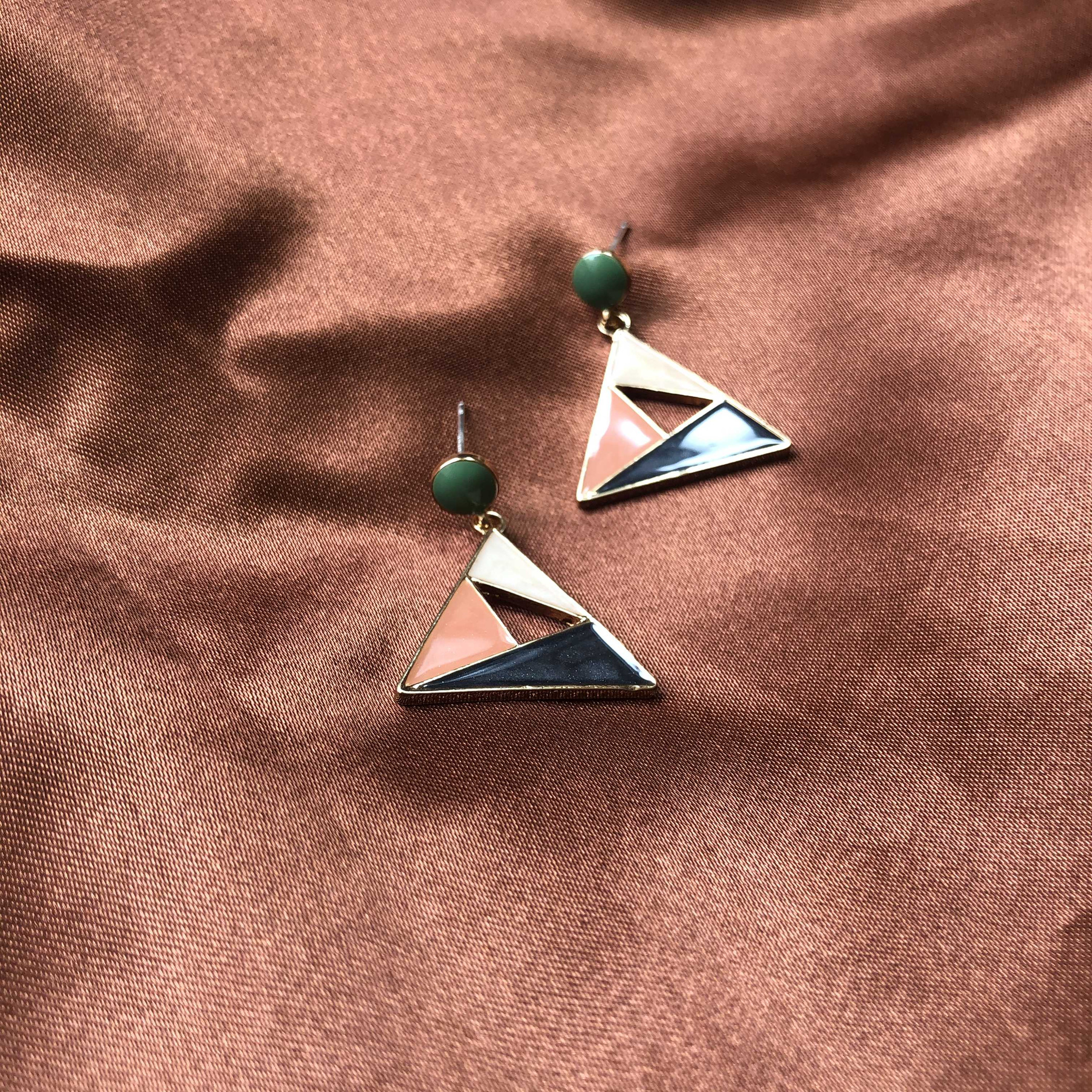 New product 2020 creative design new color contrast star Triangle Earrings S925 light luxury versatile temperament