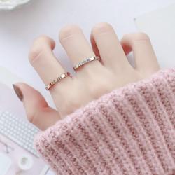 韩版冷淡风单钻戒指女钛钢玫瑰金食指环尾戒镶钻简约气质饰品学生