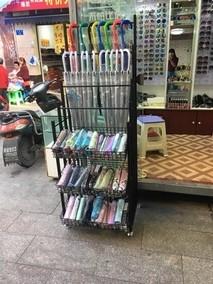 促销袜子陈列架超市摆雨伞太阳伞