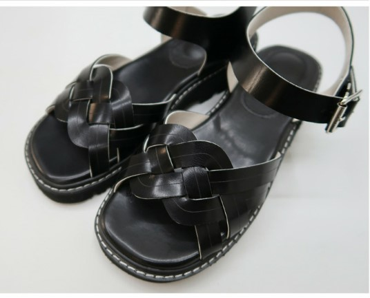 Wear beautiful one day South Korea browncode agent purchase 2021 summer new womens fashion South Korean sandals bs8775