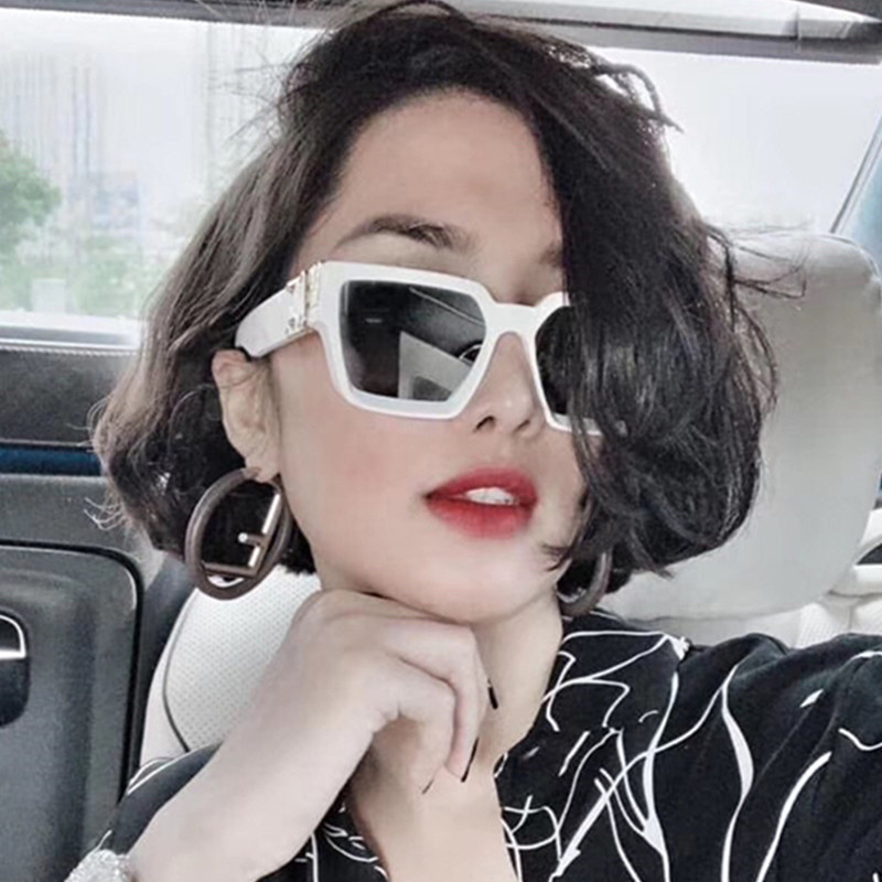 Net red, big face, fashion, big frame sunglasses, mens trend, UV protection, INS street shooting, female couples version of trampoline Sunglasses