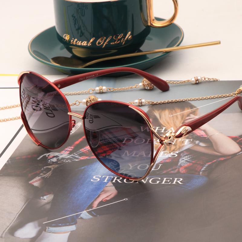 精致时尚女士偏光太阳眼镜新款狐狸大框显瘦墨镜开车防紫外线红色