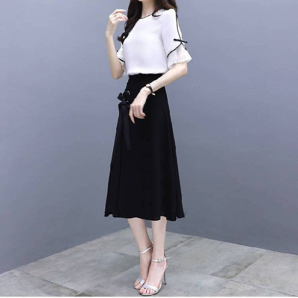 Spring and summer 2020 new Korean womens temperament goddess style suit dress womens one shoulder chic skirt two-piece set
